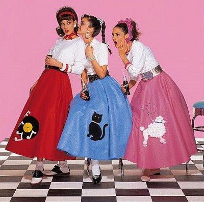 poodle-skirts-woman-fashion